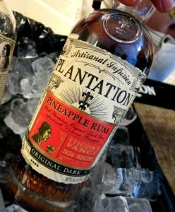 Plantation-Pineapple-Rum-L-pic2