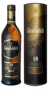 glenfiddich-18-year-old-single-malt-scotch-whisky-speyside-scotland-10318461